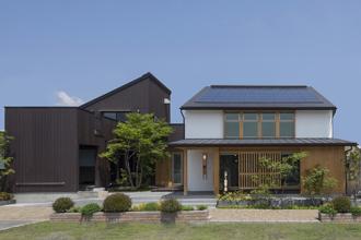 コアー建築工房 OMソーラー「自然の住む家」